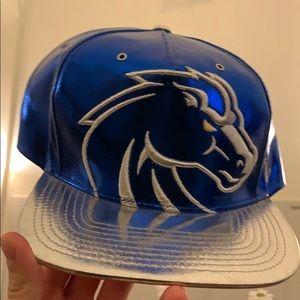 Boise state chrome and blue hat SnapBack BSU